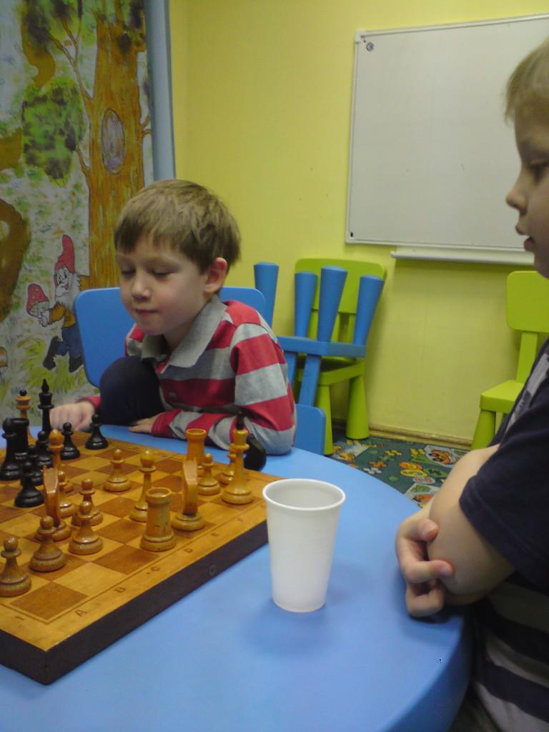научиться шахматам