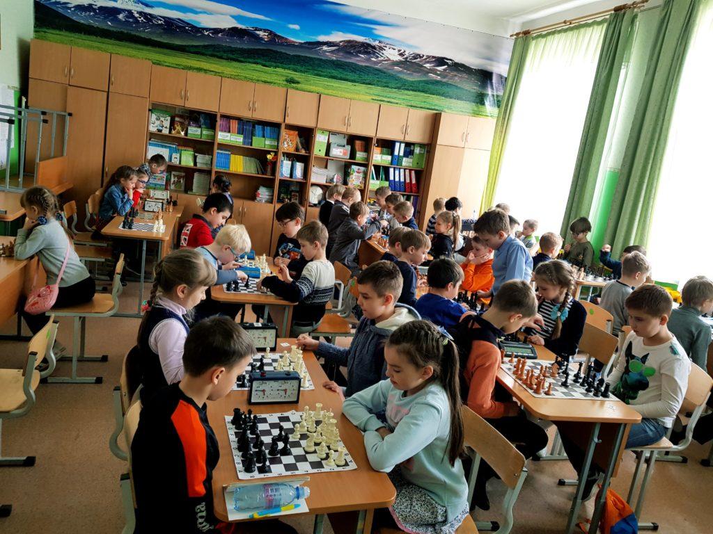 Столы шахматные
