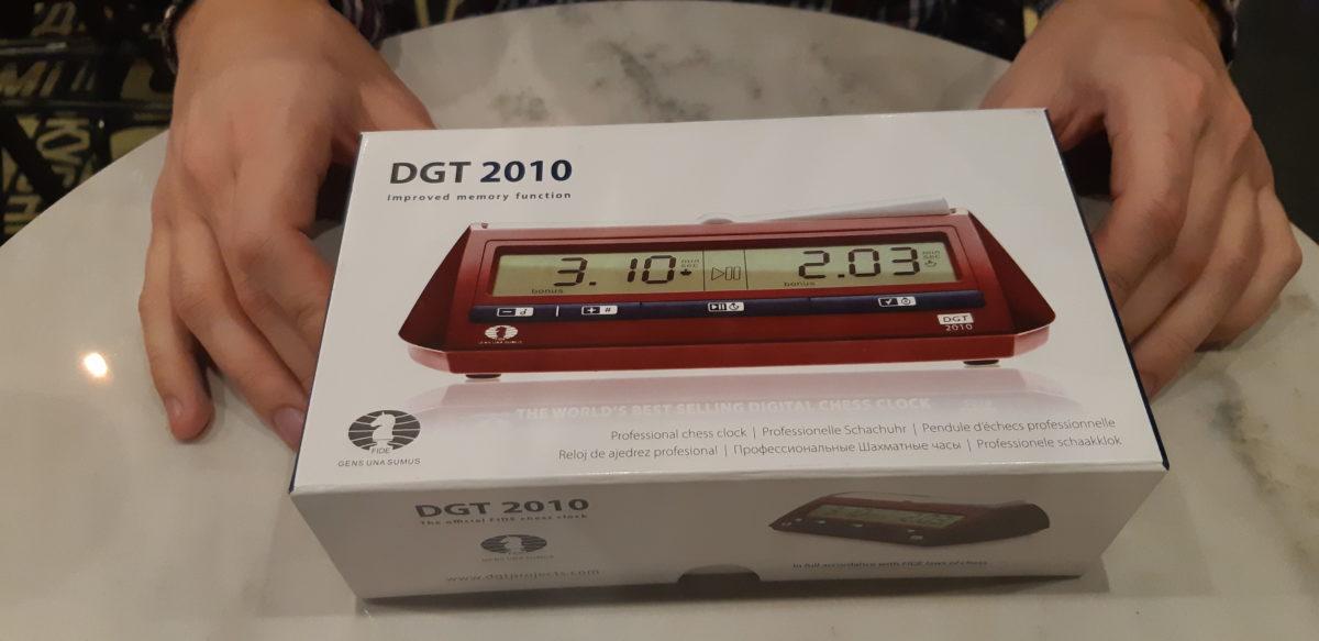 Часы DGT2010 шахматные