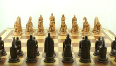 Шахматы из дерева дорогие